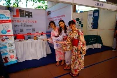 OneTech Asia tự hào là nhà tài trợ vàng cho Lễ hội Tháng 5