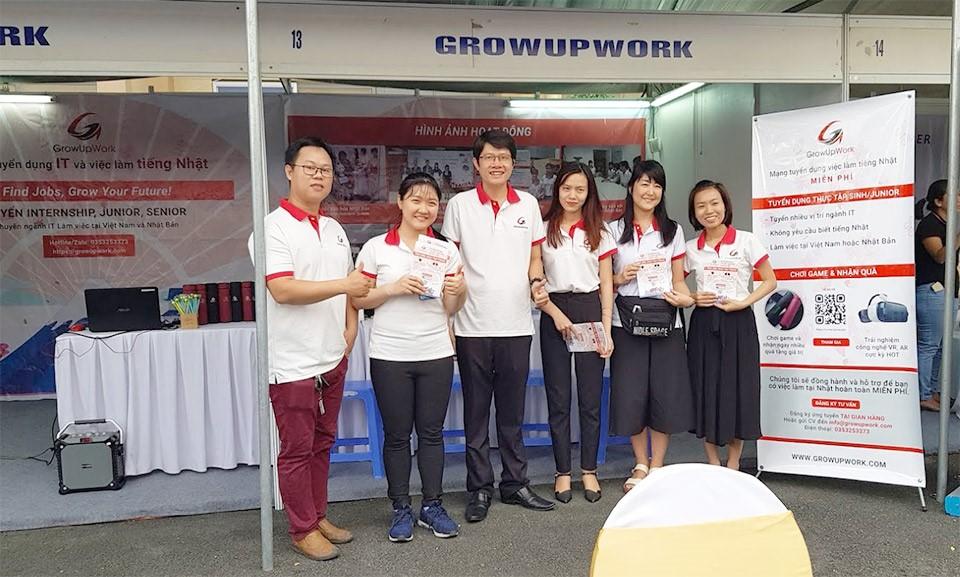 2019年の学生およびビジネスフェスティバルのGrowUpWorkブース