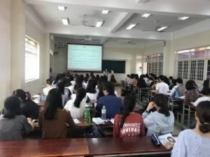 GrowUpWork dạy business manner tại Trường Đại học Khoa học Xã hội và Nhân văn